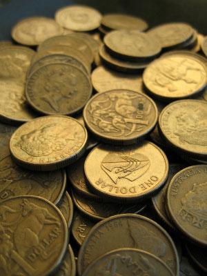 Ein Haufen australischer Dollarmünzen